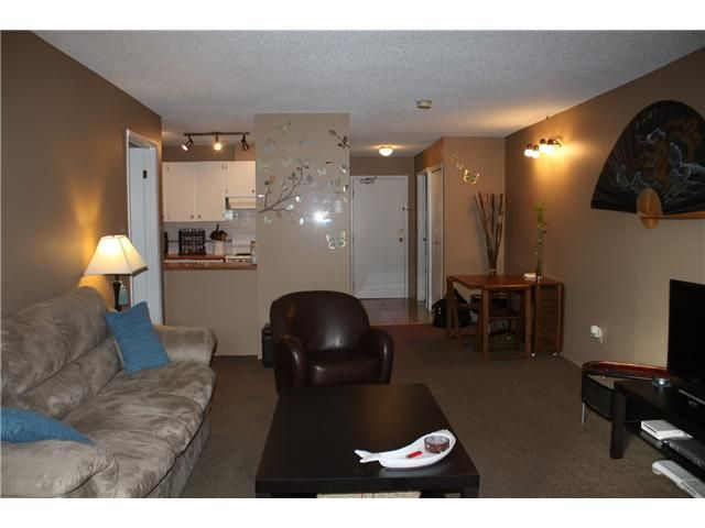 Photo 9: Photos: 3207 80 GLAMIS Drive SW in CALGARY: Glamorgan Condo for sale (Calgary)  : MLS®# C3568501