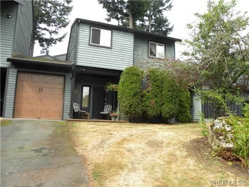 Photo 2: Photos: A 1504 Glentana Road in VICTORIA: VR Glentana Residential for sale (View Royal)  : MLS®# 336690