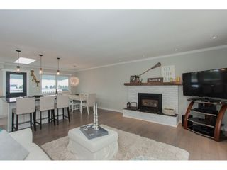 Photo 7: 18364 58B Avenue in Surrey: Cloverdale BC House for sale (Cloverdale)  : MLS®# R2088572