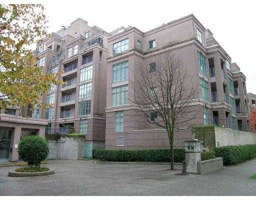 Main Photo: 303 2468 E BROADWAY BB in Vancouver: Renfrew VE Condo for sale (Vancouver East)  : MLS®# V728421