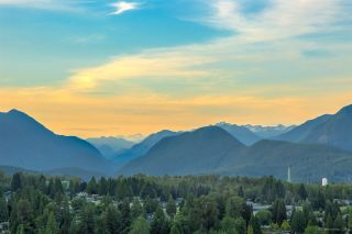 "Photo 4: 2702 520 COMO LAKE Avenue in Coquitlam: Coquitlam West Condo for sale in ""THE CROWN"" : MLS®# R2529275"
