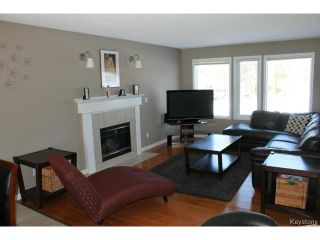 Photo 2: 70 Hindley Avenue in WINNIPEG: St Vital Residential for sale (South East Winnipeg)  : MLS®# 1504801