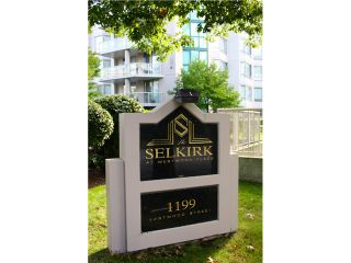 Photo 2: # 302 1199 EASTWOOD ST in Coquitlam: North Coquitlam Condo for sale : MLS®# V1110358