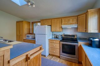 Photo 7: 1212 GOWER POINT Road in Gibsons: Gibsons & Area House for sale (Sunshine Coast)  : MLS®# R2605077