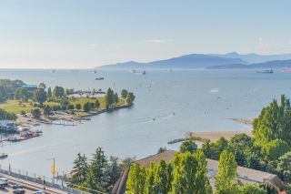 Main Photo: 2201 907 BEACH Avenue in Vancouver: Yaletown Condo for sale (Vancouver West)  : MLS®# R2616505