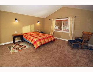 """Photo 8: 1719 VISTA in Squamish: Valleycliffe House for sale in """"HOSPITAL HILL"""" : MLS®# V751647"""