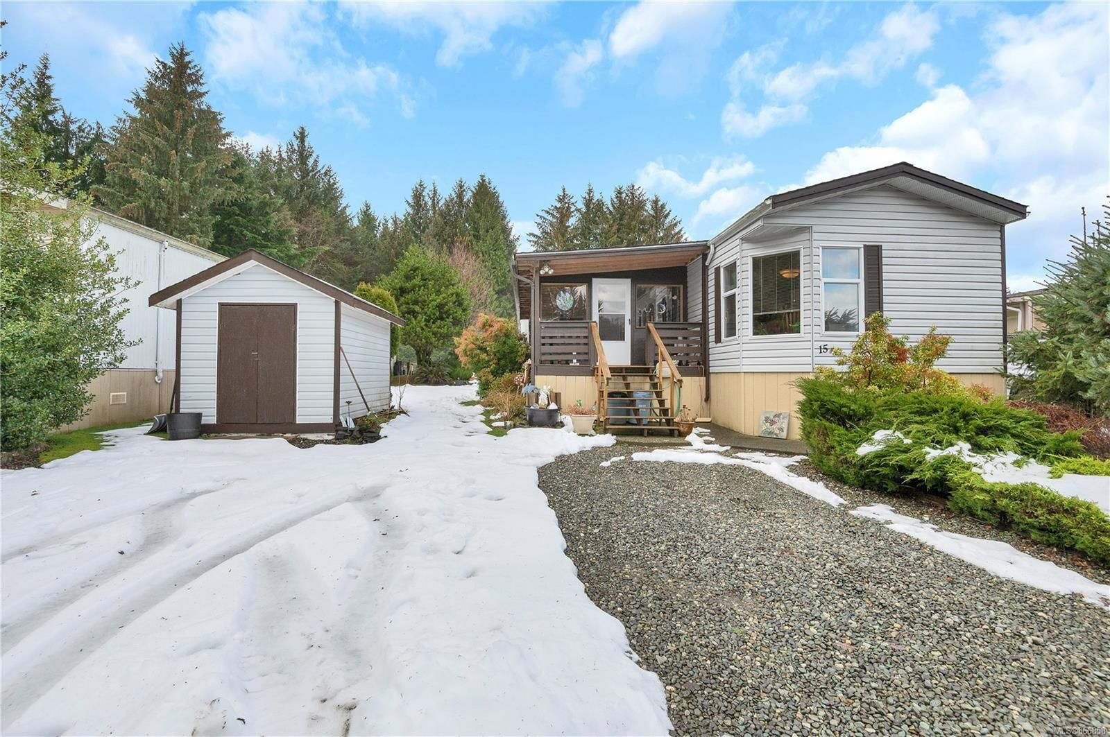 Main Photo: 15 5100 Duncan Bay Rd in : CR Campbell River North Manufactured Home for sale (Campbell River)  : MLS®# 866858