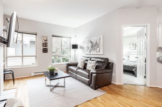 """Photo 2: 106 150 W 22ND Street in North Vancouver: Central Lonsdale Condo for sale in """"The Sierra"""" : MLS®# R2418794"""