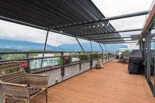 """Photo 7: 2506 1723 ALBERNI Street in Vancouver: West End VW Condo for sale in """"THE PARK"""" (Vancouver West)  : MLS®# R2106181"""