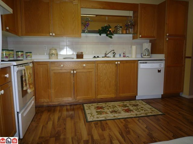 """Photo 2: Photos: 109 7500 COLUMBIA Street in Mission: Mission BC Condo for sale in """"Edward Estates"""" : MLS®# F1114183"""