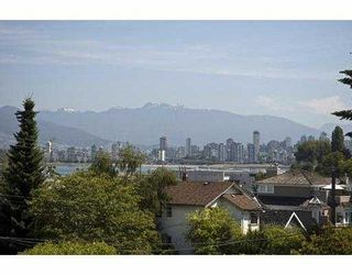 Photo 2: 3077 W 2ND Avenue in Vancouver: Kitsilano Townhouse for sale (Vancouver West)  : MLS®# V658846