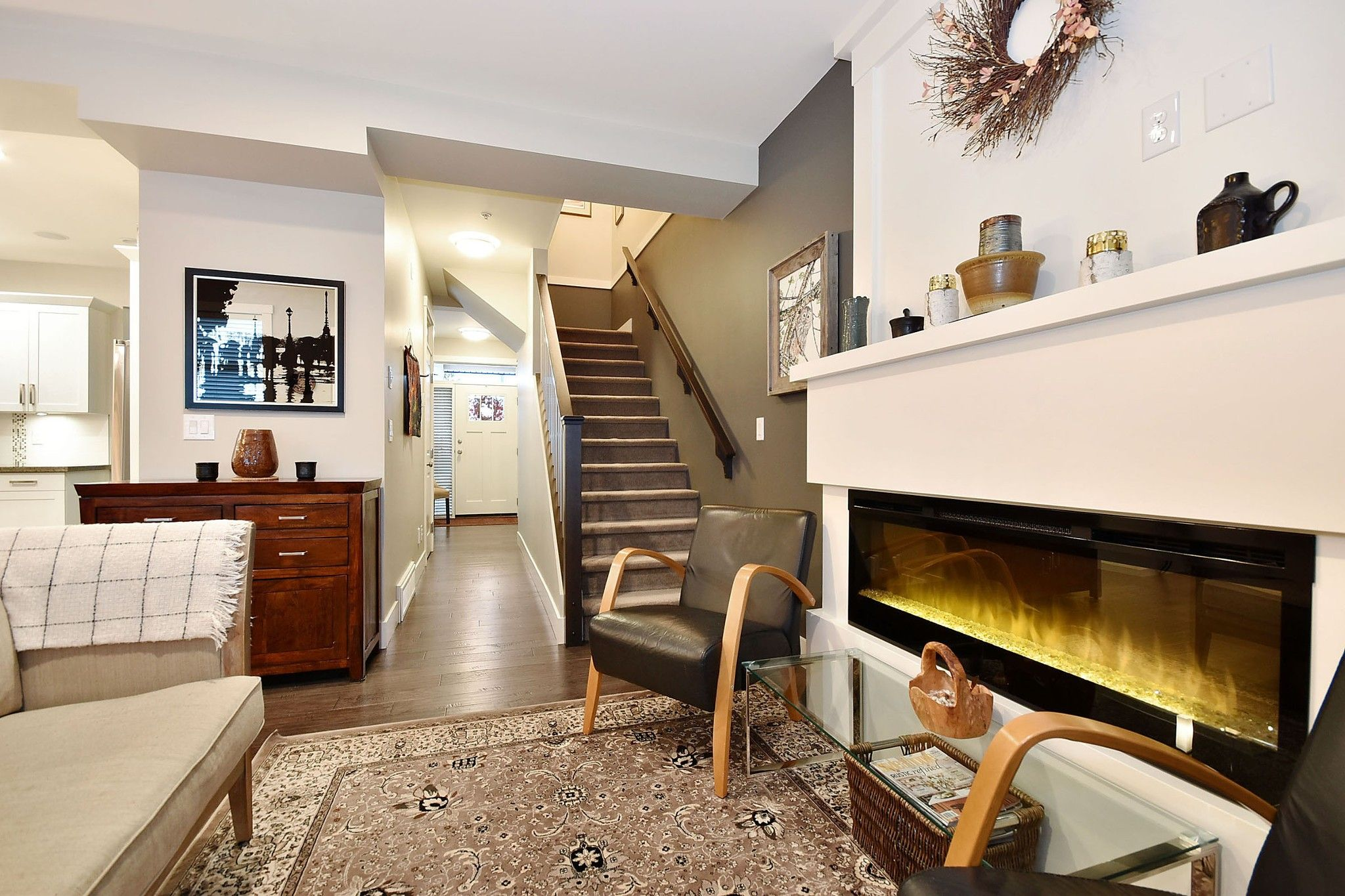 """Photo 10: Photos: 4 35298 MARSHALL Road in Abbotsford: Abbotsford East Townhouse for sale in """"Eagles Gate"""" : MLS®# R2434344"""