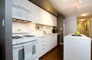 "Photo 15: 609 328 E 11TH Avenue in Vancouver: Mount Pleasant VE Condo for sale in ""Uno"" (Vancouver East)  : MLS®# R2126695"