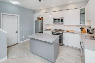 Photo 1: 2 11711 STEVESTON Highway in Richmond: Ironwood Townhouse for sale : MLS®# R2187367