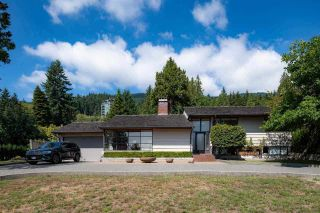 Photo 2: 3171 WESTMOUNT Place in West Vancouver: Westmount WV House for sale : MLS®# R2591794