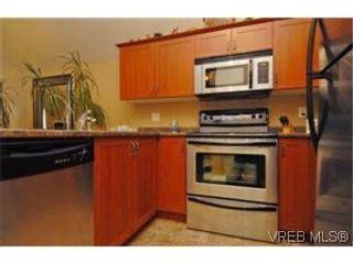 Photo 5: 404 663 Goldstream Ave in VICTORIA: La Fairway Condo for sale (Langford)  : MLS®# 499068