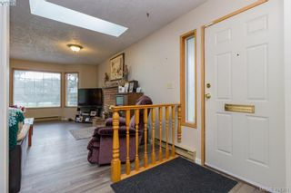 Photo 6: 436 Tipton Ave in VICTORIA: Co Wishart South House for sale (Colwood)  : MLS®# 803370