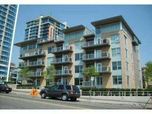"Main Photo: 204 1288 CHESTERFIELD Avenue in North Vancouver: Central Lonsdale Condo for sale in ""ALINA"" : MLS®# R2183669"