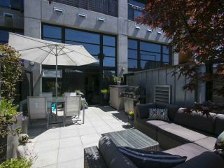"""Photo 3: 305 428 W 8TH Avenue in Vancouver: Mount Pleasant VW Condo for sale in """"XL LOFTS"""" (Vancouver West)  : MLS®# R2184000"""