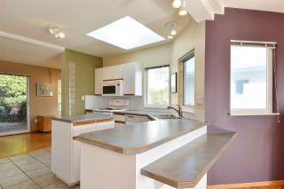 Photo 7: 14659 W BEACH Avenue: White Rock House for sale (South Surrey White Rock)  : MLS®# R2344837
