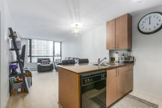 Photo 4: 1905 909 MAINLAND STREET in Vancouver: Yaletown Condo for sale (Vancouver West)  : MLS®# R2440557
