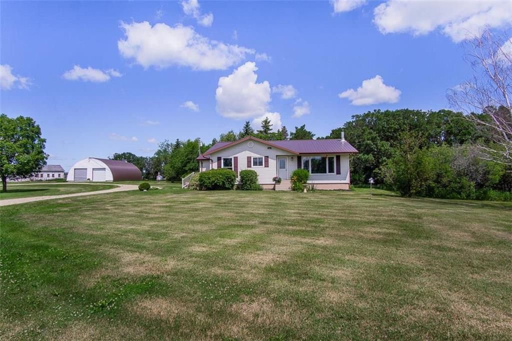 Main Photo: 25034 ROAD 12 Road in Morris: R17 Residential for sale : MLS®# 202016389