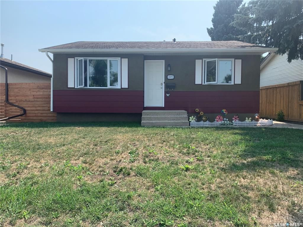 Main Photo: 3517 33rd Street West in Saskatoon: Confederation Park Residential for sale : MLS®# SK865444