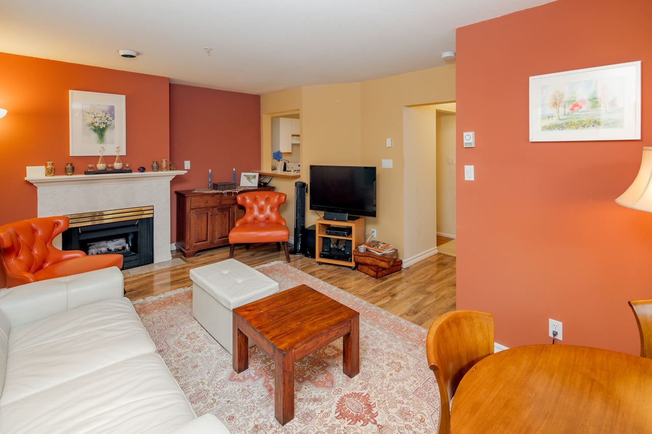 Photo 11: Photos: 109 628 W 13TH AVENUE in Vancouver: Fairview VW Condo for sale (Vancouver West)  : MLS®# R2205140