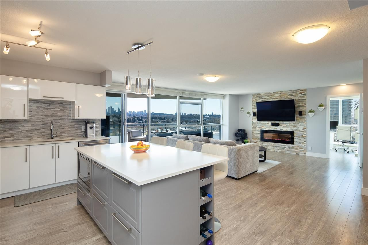 """Main Photo: 1505 5611 GORING Street in Burnaby: Central BN Condo for sale in """"Legacy Towers"""" (Burnaby North)  : MLS®# R2567012"""