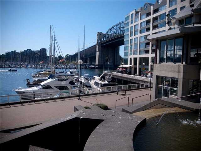 Main Photo: 203 1008 BEACH Avenue in Vancouver: Yaletown Condo for sale (Vancouver West)  : MLS®# V1043840