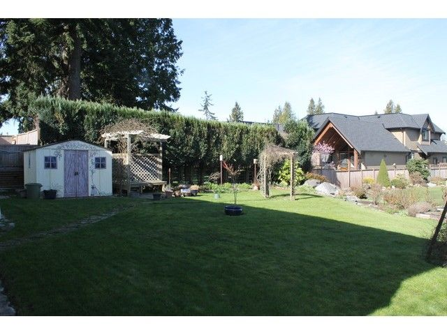 """Photo 2: Photos: 15451 ROPER Avenue: White Rock House for sale in """"White Rock"""" (South Surrey White Rock)  : MLS®# F1433989"""