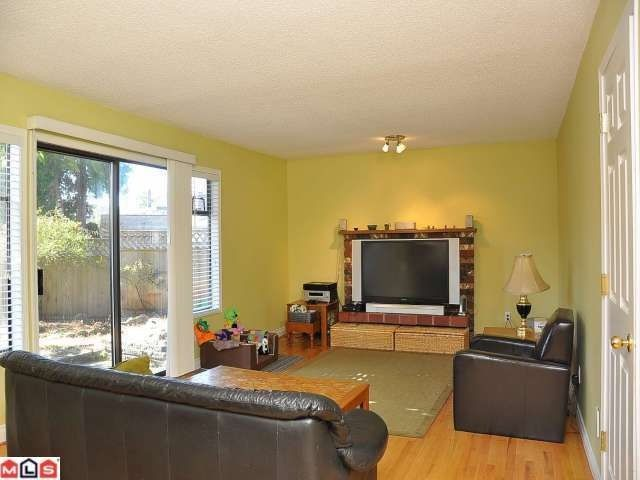 """Photo 4: Photos: 11054 BRIDLINGTON Drive in Delta: Nordel House for sale in """"ROYAL YORK"""" (N. Delta)  : MLS®# F1222010"""
