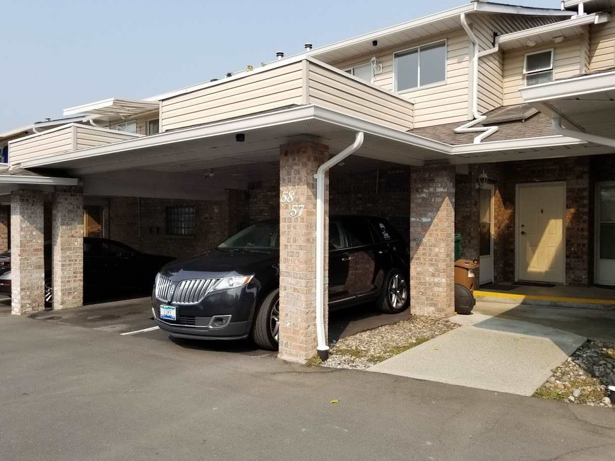 """Photo 1: Photos: 58 22308 124 Avenue in Maple Ridge: West Central Townhouse for sale in """"BRANDYWYND"""" : MLS®# R2297619"""