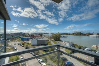 """Photo 18: 806 3333 CORVETTE Way in Richmond: West Cambie Condo for sale in """"Wall Centre at the Marina"""" : MLS®# R2622056"""