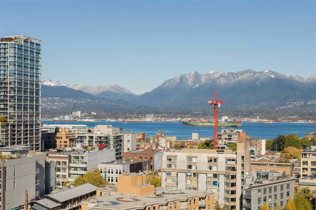 """Main Photo: 2307 550 TAYLOR Street in Vancouver: Downtown VW Condo for sale in """"TAYLOR"""" (Vancouver West)  : MLS®# R2590632"""