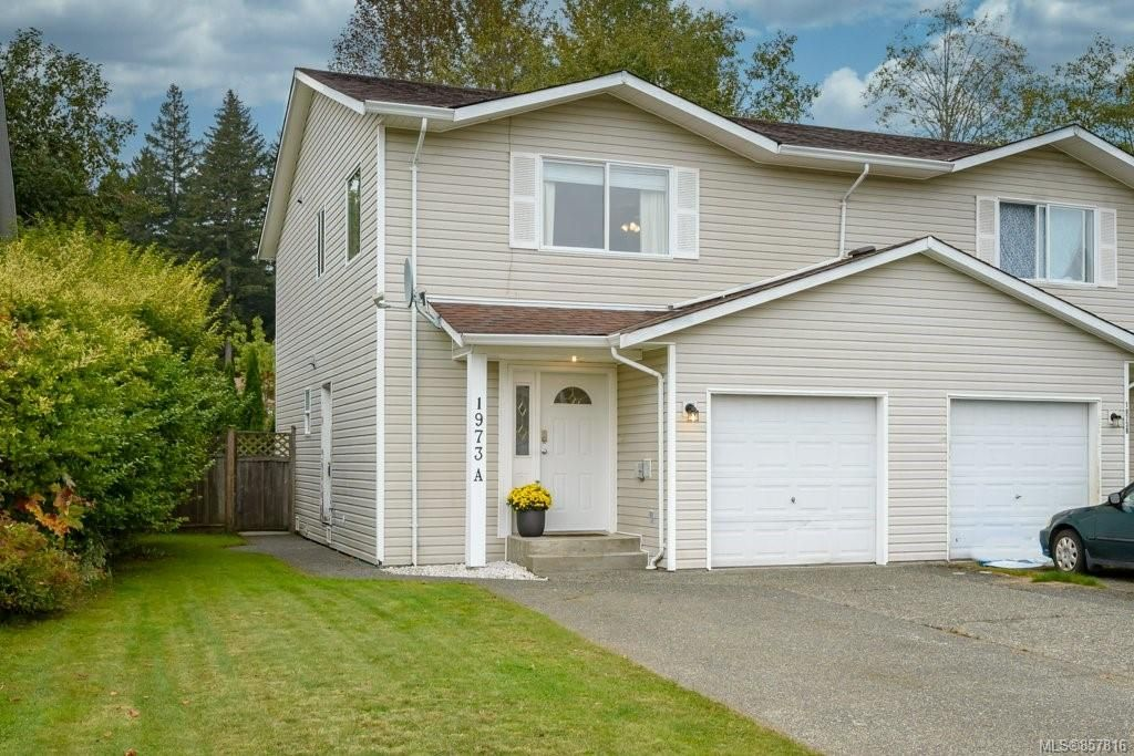 Main Photo: A 1973 Noort Pl in : CV Courtenay City Half Duplex for sale (Comox Valley)  : MLS®# 857816