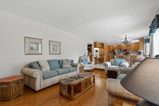 Photo 12: 927 Shawnee Drive SW in Calgary: Shawnee Slopes Detached for sale : MLS®# A1123376