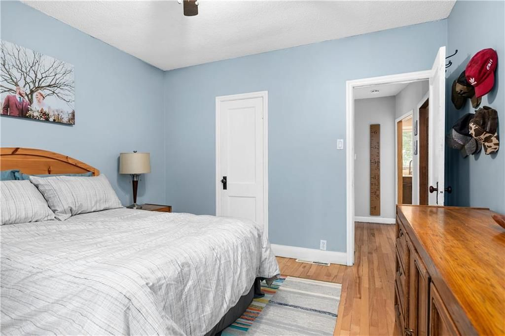 Photo 13: Photos: 145 Woodlawn Avenue in Winnipeg: Residential for sale (2C)  : MLS®# 202110539