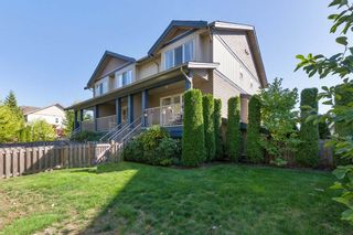 "Photo 2: 3 1268 RIVERSIDE Drive in Port Coquitlam: Riverwood Townhouse for sale in ""SOMERSTON LANE"" : MLS®# R2205211"