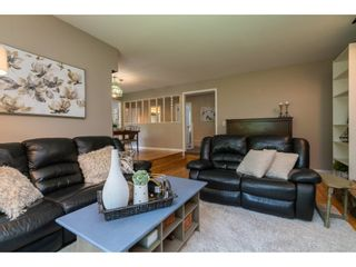 "Photo 6: 4519 SOUTHRIDGE Crescent in Langley: Murrayville House for sale in ""Murrayville"" : MLS®# R2473798"
