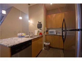 """Photo 6: 303 39 SIXTH Street in New Westminster: Downtown NW Condo for sale in """"Quantum By Bosa"""" : MLS®# V1135585"""