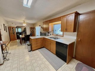 Photo 10: 143 Montreal Street W in Morris: House for sale : MLS®# 202121792