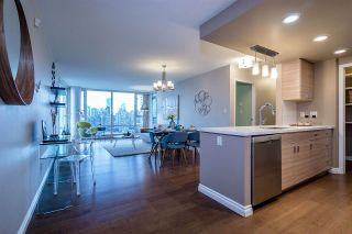 Photo 9: 2808 1033 MARINASIDE CRESCENT in Vancouver: Yaletown Condo for sale (Vancouver West)  : MLS®# R2238067