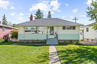 Main Photo: 811 Broadway Avenue East in Regina: Dominion Heights RG Residential for sale : MLS®# SK870872