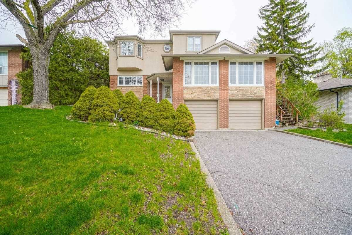 Main Photo: 17 Valentine Drive in Toronto: Parkwoods-Donalda House (2-Storey) for lease (Toronto C13)  : MLS®# C5217207