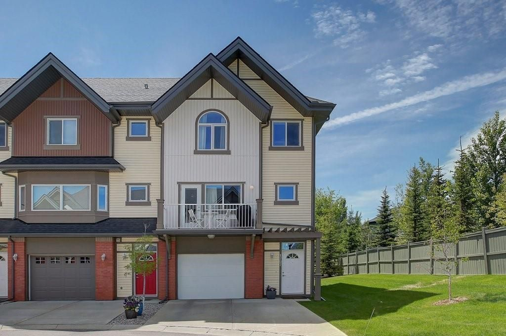 Main Photo: 1707 WENTWORTH Villa SW in Calgary: West Springs Row/Townhouse for sale : MLS®# C4253593
