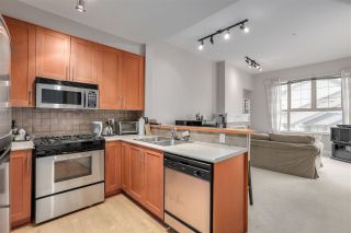 """Photo 2: 2403 4625 VALLEY Drive in Vancouver: Quilchena Condo for sale in """"ALEXANDRA HOUSE"""" (Vancouver West)  : MLS®# R2419187"""