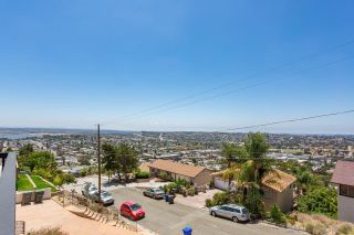 Photo 8: SPRING VALLEY House for sale : 4 bedrooms : 1417 Paraiso Ave