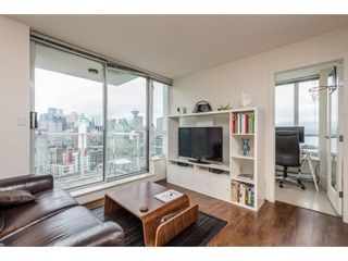 """Photo 5: 2402 550 TAYLOR Street in Vancouver: Downtown VW Condo for sale in """"THE TAYLOR"""" (Vancouver West)  : MLS®# R2142981"""