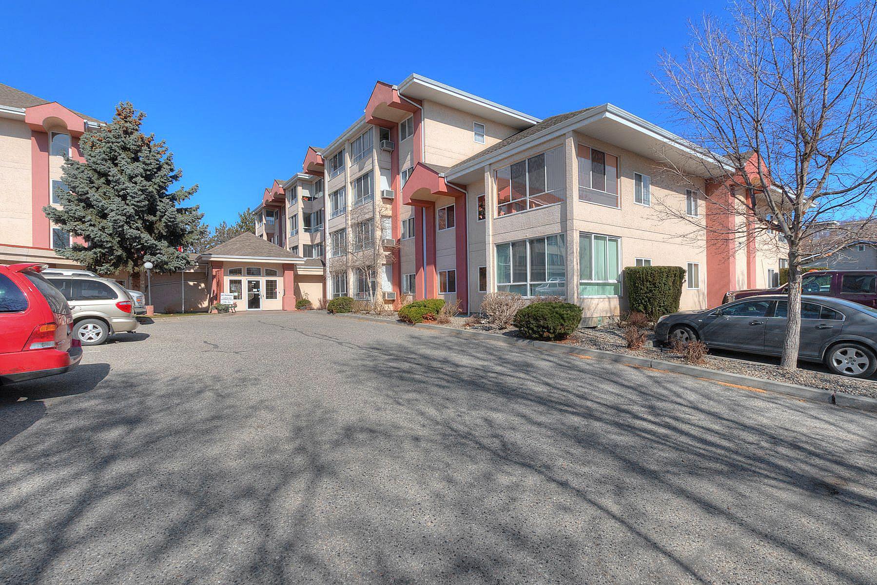 Main Photo: 206 920 Saskatoon Road in Kelowna: Rutland South Multi-family for sale (Central Okanagan)  : MLS®# 10211030